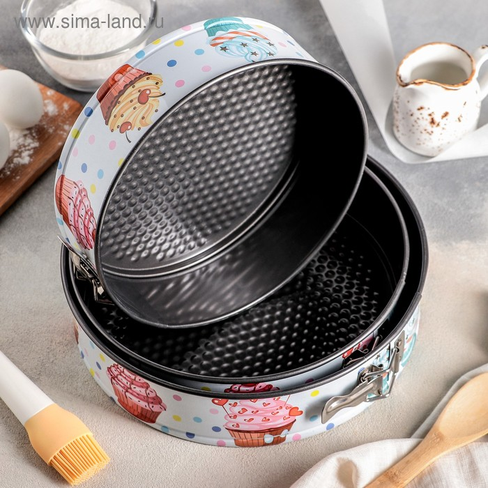 """A set of baking dish with split a/C coating """"Dessert round"""" X7 24/26/28 cm"""