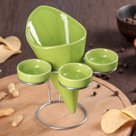 """A set of serving """"Farbe"""", 4 items: a container for French fries, 3 gravy boat, green"""