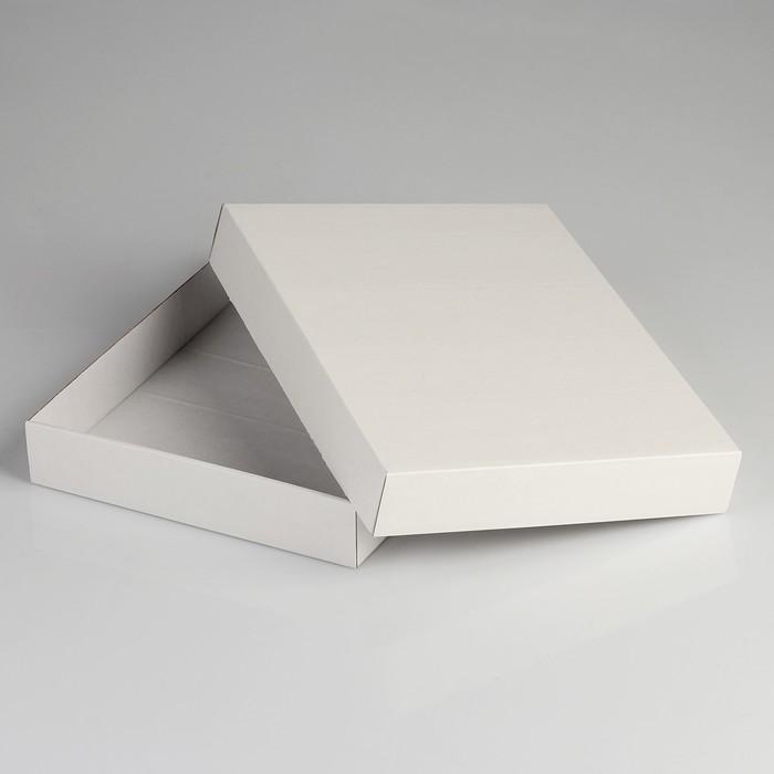 Коробка сборная без печати , крышка-дно белая без окна 26 х 21,5 х 4 см