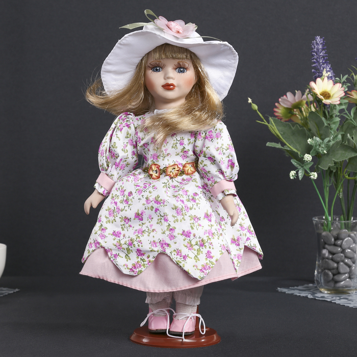 """Кукла коллекционная керамика """"Ася в платье в мелкий цветочек и шляпке"""" 30 см"""