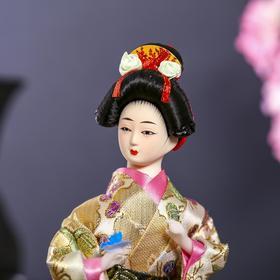 """Кукла коллекционная """"Японка в цветочном кимоно с бабочкой на руке"""" 25х9,5х9,5 см - фото 2218470"""