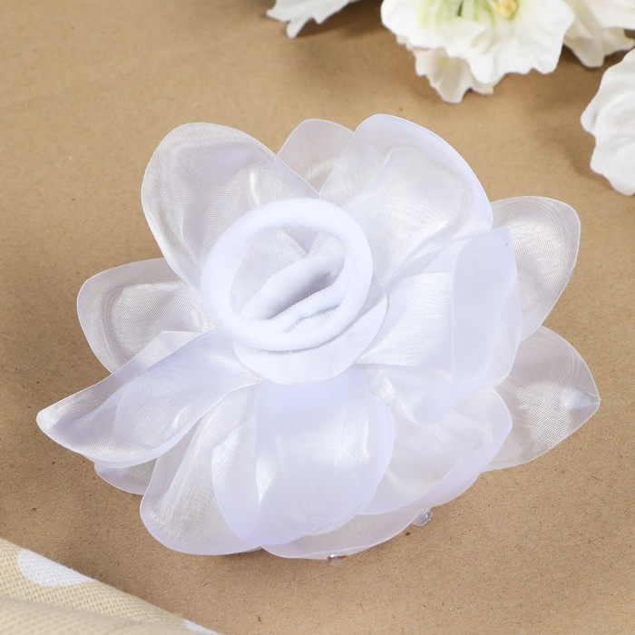 """Бант для девочек с резинкой """"Снежа"""" белый, с розовым цветком, 13 см - фото 297941782"""