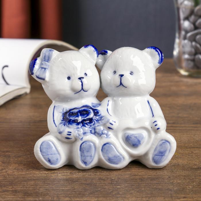 """Сувенир """"Медвежата с букетом и сердцем"""" синяя роспись 10х11х6 см"""