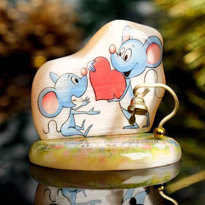Сувенир Мышка на подставке с колокольчиком «Семейного благополучия вам», селенит