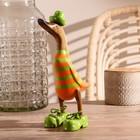 """Сувенир дерево """"Утка в оранжево-зеленом костюме"""" 13х9х27 см"""