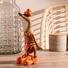 """Сувенир дерево """"Утка в оранжевом купальнике"""" 13х9х27 см"""