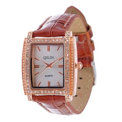 """Часы наручные женские """"QILIN"""", ремешок с тиснением коричневый"""