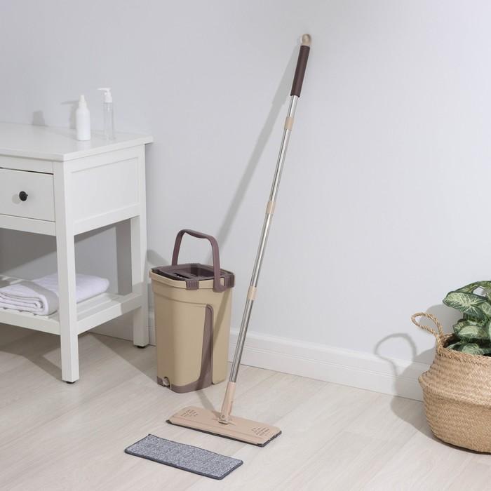 Набор для уборки: швабра плоская, ведро с отсеками для полоскания и отжима 8 л, цвет красно-чёрный