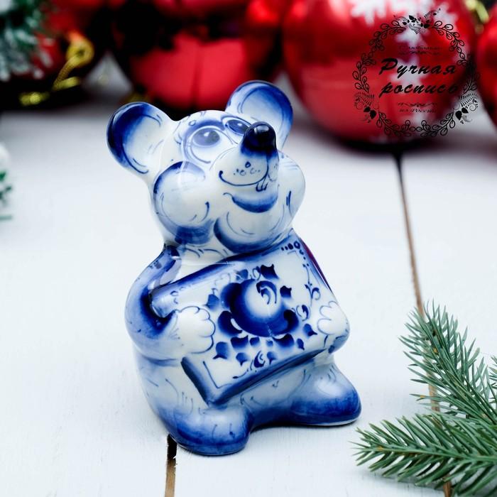 Сувенир «Мышка с открыткой», гжель