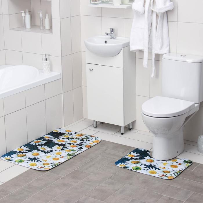 """Set of floor mats for the bath and toilet 2 piece """"Chamomile field"""" 50 × 80, 50х39 cm"""