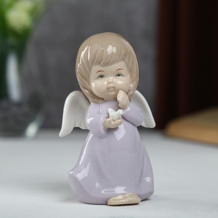 """Сувенир керамика """"Ангел-пухлячок в сиреневом платье с голубем в руке"""" 13х5,5х7 см - фото 366858916"""