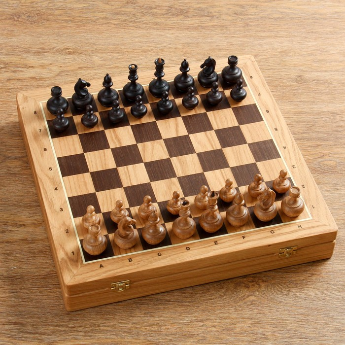 "Шахматы ""Гамбит"", утяжеленные, (доска 43х43 см, дуб, король h=8.5, пешка h=4.5 см)"