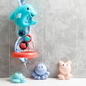 Набор игрушек для купания «Дельфин + 3 игрушки», на присоке