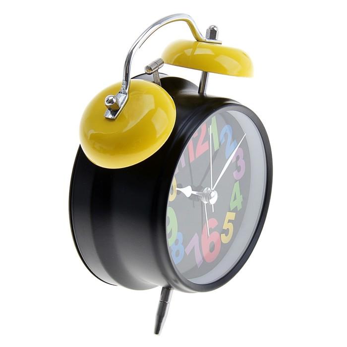 Будильник с подсветкой на циферблате, цветные цифры, 2 звоночка стрелки светятся, МИКС