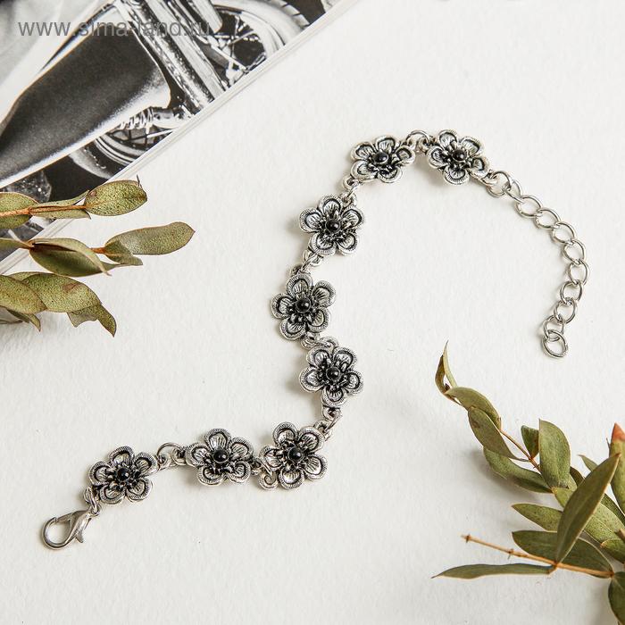 """Браслет со стразами """"Романтика"""" крупный цветок, цвет чёрный в серебре"""