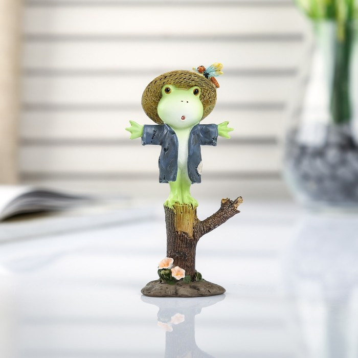 """Сувенир полистоун миниатюра """"Лягушонок-чучело"""" 10,5х4х5,7 см"""