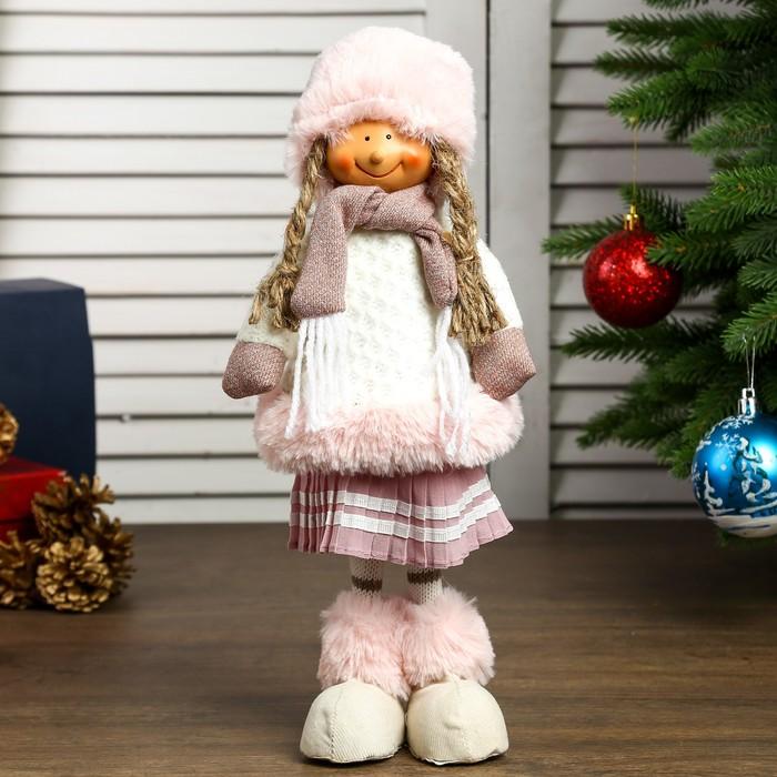 """Кукла интерьерная """"Девочка в розовом меховом колпаке и юбке плиссе"""" 44х15х9 см"""