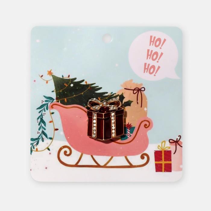 """Брошь """"Новогодняя сказка"""" подарочек, цвет красно-белый в золоте"""