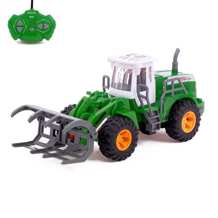 Трактор радиоуправляемый «Фермер», работает от батареек