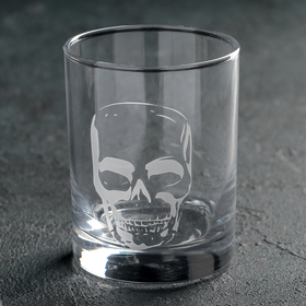 A glass of whiskey 350ml Skull