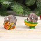 "Souvenir Polyresin ""Gray mouse on the strawberry/corn"" MIX 4x3,5x2,8 cm"