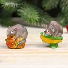"Souvenir Polyresin ""Gray mouse on the strawberry/corn"" MIX 4x3,5x2,8 cm"