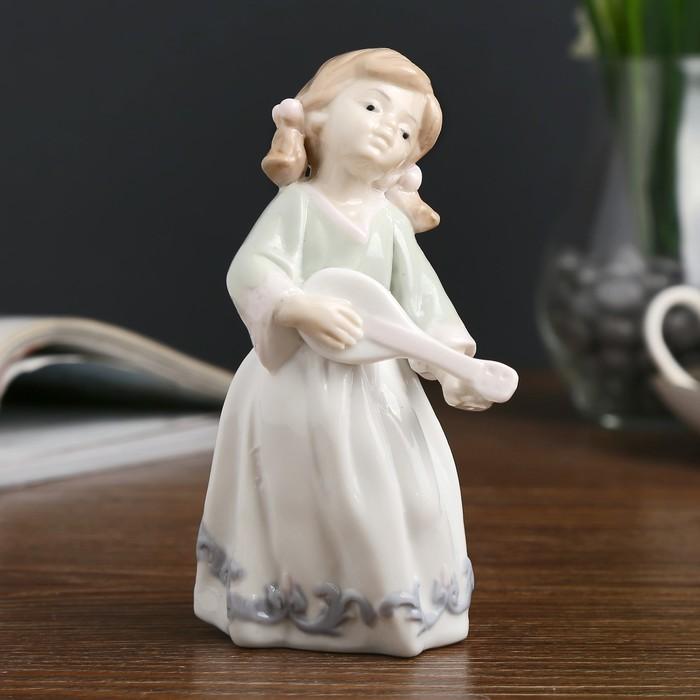 "Сувенир керамика ""Малышка с мандолиной"" 13,5х6,5х6,5 см - фото 798253767"