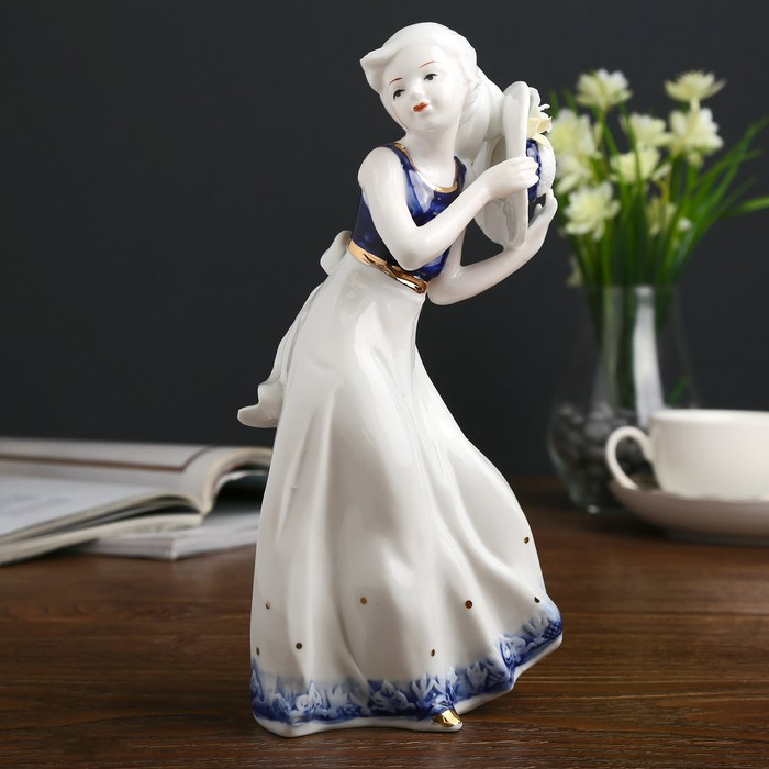 "Сувенир керамика ""Девочка со шляпкой"" кобальт 22,5х6,5х10 см - фото 798253821"