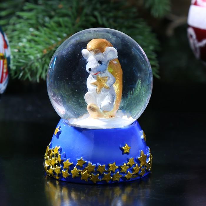 """Сувенир полистоун водяной шар """"Мышонок на месяце"""" d=4,5 см 6,5х4,5х4,5 см"""