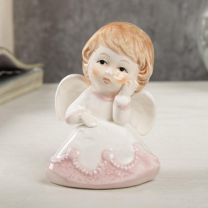 """Сувенир керамика """"Ангел-малыш в платье с розовыми оборками, скучающий"""" 8,1х5,8х5,6 см"""