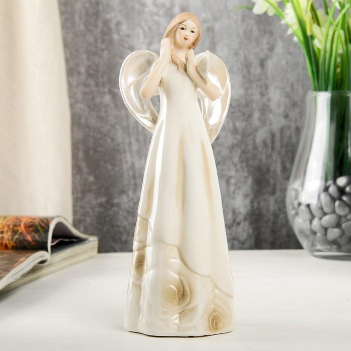 """Сувенир керамика """"Девушка-ангел в платье с розами, с бабочкой на руке"""" 19,5х7х7 см"""
