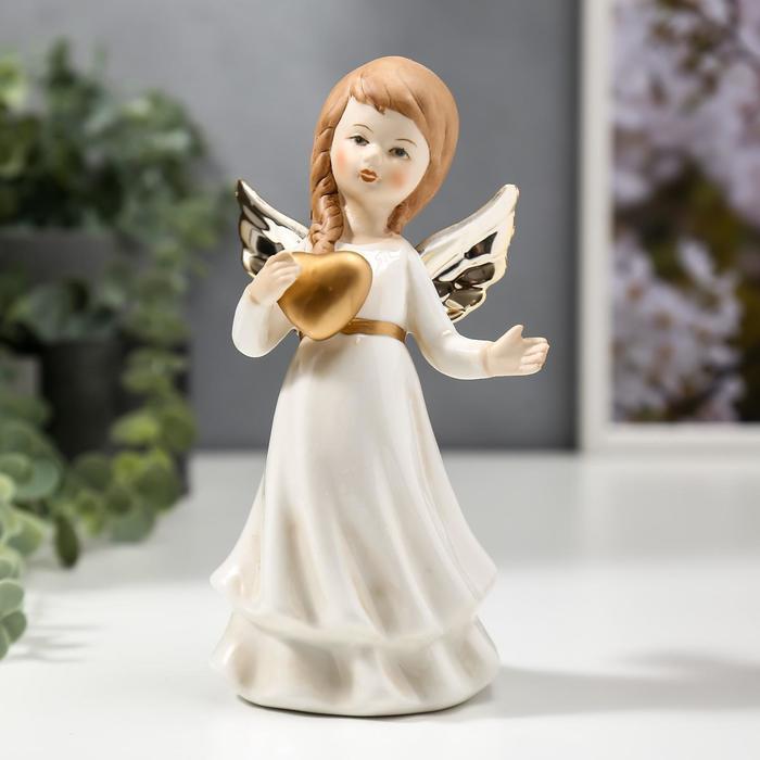 """Сувенир керамика """"Ангел-девочка с золотыми крыльями, с сердцем в руке"""" 16,2х6,5х9 см"""