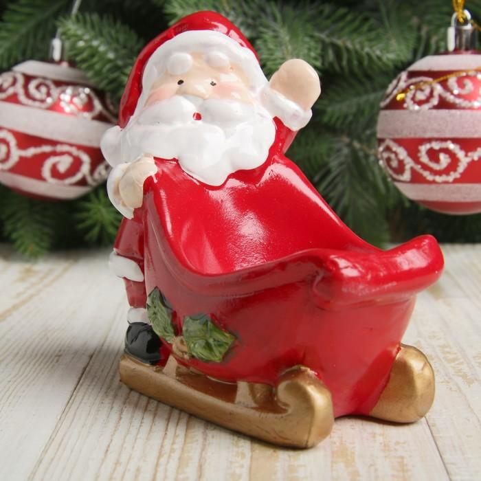 """Подсвечник керамика """"Дед Мороз и сани"""" 10,2х11х6,2 см"""