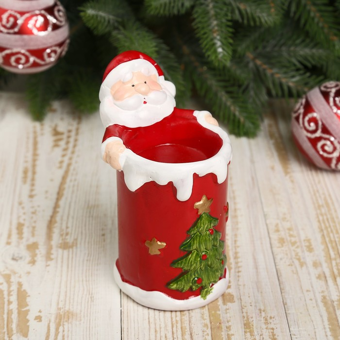 "Подсвечник керамика ""Дед Мороз обнимающий свечу"" 12,8х9х7,5 см"