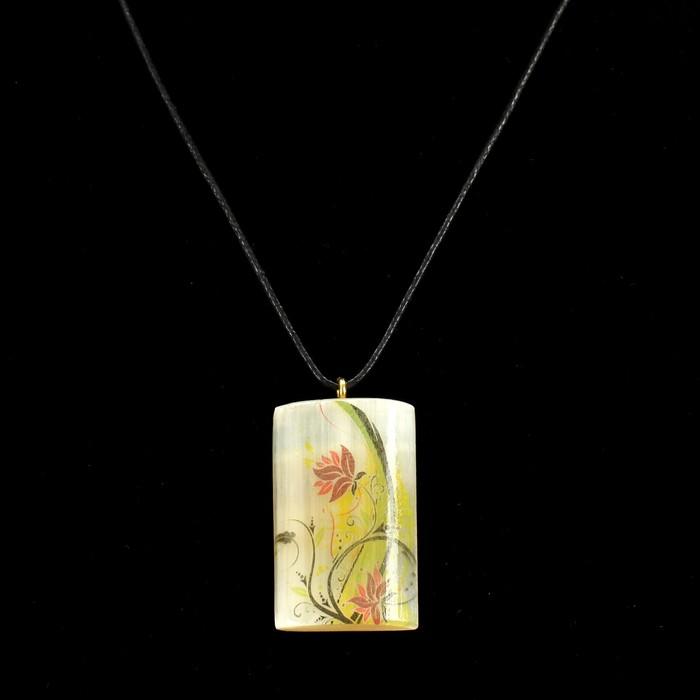 Кулон «Цветы», 2,5×4 см, селенит