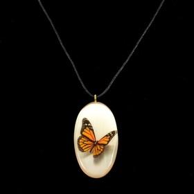 Кулон «Бабочки», 3D, 3×5,5 см, селенит