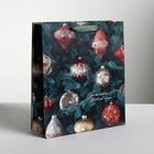 Пакет ламинированный вертикальный «Новогодние игрушки», M 26 × 30 × 9 см