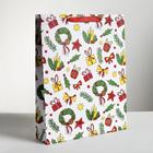 Пакет ламинированный вертикальный «Подарки», L 31 × 40 × 9 см