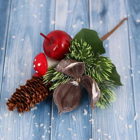 "Decor ""Winter charm"" 16 cm cone berries and leaves"