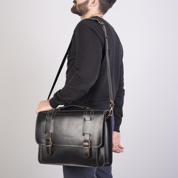 Портфель мужской, отдел на клапане, 3 наружных кармана, длинный ремень, цвет чёрный