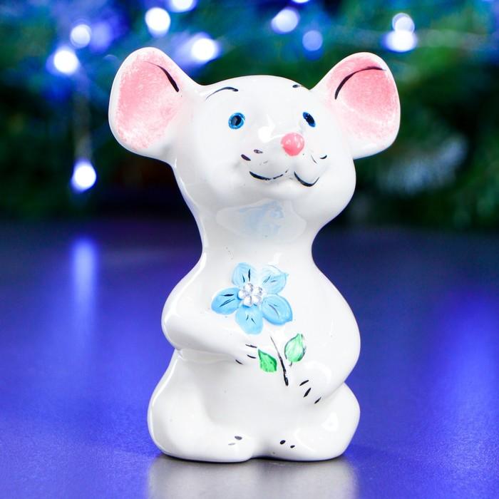 """Фигура """"Мышь с цветочком"""" 11х9см белая"""