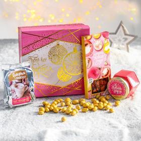Подарочный набор «Новогодние моменты»: чай чёрный 50 г, шоколад с клубникой 85 г, крем-мёд с клубникой 120 г, орехи в глазури 100 г
