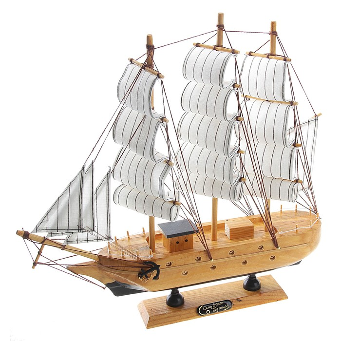 Корабль сувенирный «Трёхмачтовый», борта светлое дерево, паруса белые, 33 х 7 х 32 см