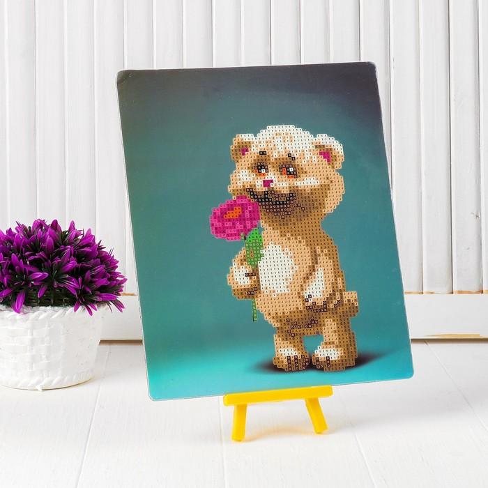 """Алмазная вышивка с частичным заполнением """"Мишка с цветочком"""" с подставкой, размер картины: 21 × 25 см"""