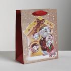 Пакет крафтовый вертикальный «Семейный праздник-Новый год», ML 23 × 27 × 8 см