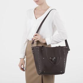 Сумка женская, отдел на молнии, 2 наружных кармана, длинный ремень, цвет коричневый - фото 50754