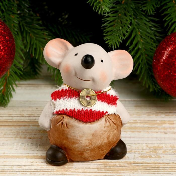 """Сувенир керамика """"Мышонок-толстяк в полосатом свитере с монеткой на счастье"""" 8,5х5,2х7 см"""