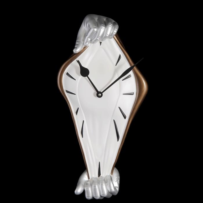 """Часы настенные """"Время в руках"""""""