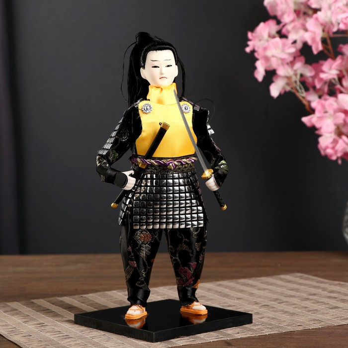 """Кукла коллекционная """"Китайский гвардеец в серебристых доспехах с мечом"""" 31х12,5х12,5 см"""