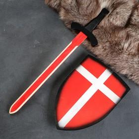 """Сувенирное деревянное оружие """"Набор рыцаря"""", щит- 28 х 41 см, меч- 75 х 17 см, микс"""